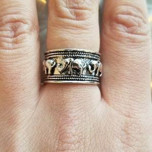 Jewelry - NWOT Silver Elephant Ring